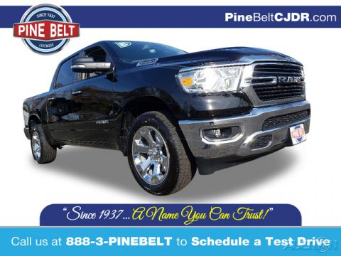 New 2020 Ram 1500 Big Horn/Lone Star 4WD 4D Crew Cab